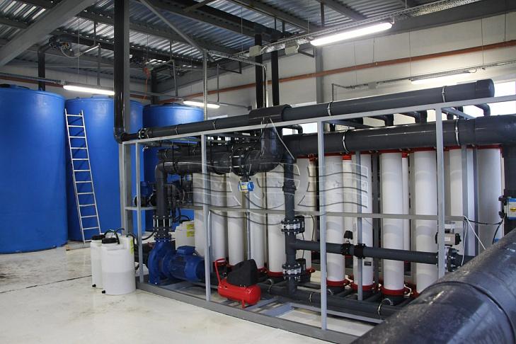 в этой системе использовались резервуары для хранения промывочной воды объемом 14 м3 каждый.
